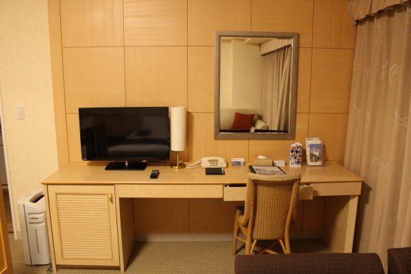 ホテルエミオン東京ベイ和洋室Bテレビ